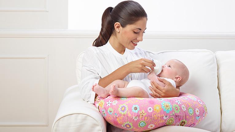 چه مسائلی را در ارتباط با پرستار کودک می توانیم حل کنیم؟,پرستار کودک, پرستار بچه, پرستار اول