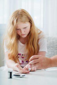 تست قند در دیابت نوع یک در کودکان