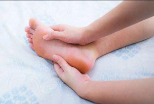گرفتگی عضلات پا و مشکل تیرویید