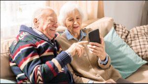 استفاده سالمندان  از تکنولوژی