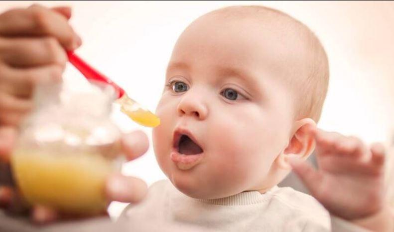 بهترین زمان از شیر گرفتن نوزاد