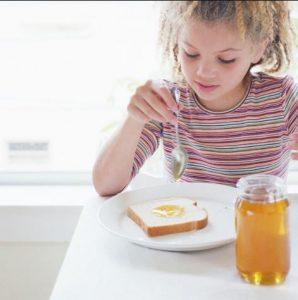تغدیه با عسل برای نوزادان