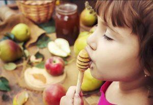 فواید عسل برای نوزادان