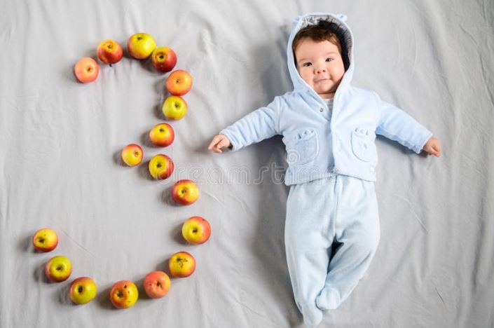 نوزاد سه ماهه