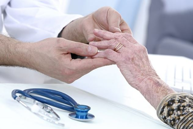 درد دست سالمند