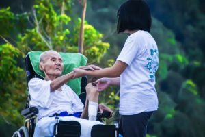 بهترین ارتباط با سالمند