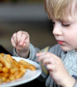 تغذیه کودک با سیب زمینی